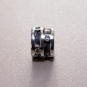 Authentic Pandora Retired Clip #790291cz